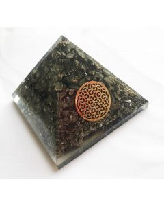 Orgoniet Pyramide Piriet met Flower of Life (40-45mm)